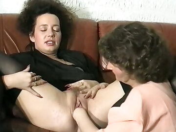 Well done white brunette son atop the couch receives cunilingus from her team up